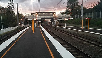 Taringa railway station - Westbound view from Platform 2 in April 2014