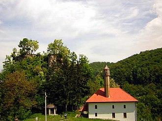 Teočak - Image: Teocak Grad i dzamija