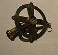 Teodolito simple (Siglo XVII). Museo Naval de Madrid.jpg