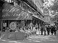 Terras van Café de la Paix aan de Boulevard des Capucines, Bestanddeelnr 191-0388.jpg