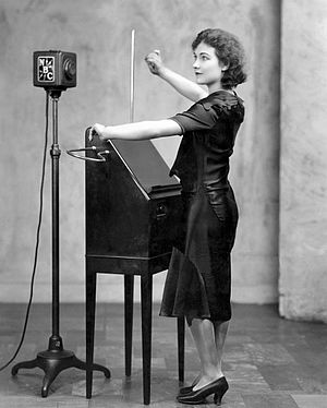 Theremin - Alexandra Stepanoff playing the theremin on NBC Radio, 1930