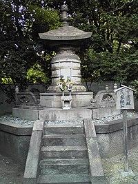 TokugawaIetsugu grave.JPG