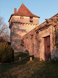 Tour carrée du château de Cornusson.JPG