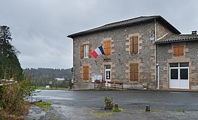 Town hall of Thouron (1).jpg