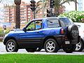 Toyota Rav4 1999 (15344562879).jpg