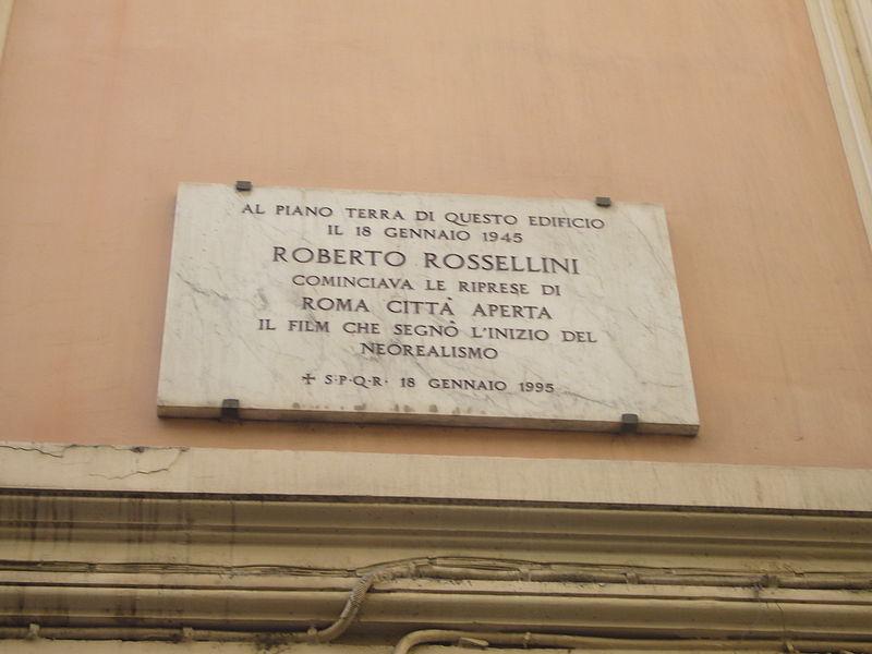 File:Trevi - targa di Roma città aperta a via degli Avignonesi 1230598.JPG