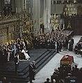 Troonswisseling 30 april inhuldiging in Nieuwe Kerk overzicht (6x6) originee, Bestanddeelnr 253-8203.jpg