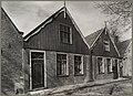 Twee huizen met houten topgevels - Edam - 20325097 - RCE.jpg