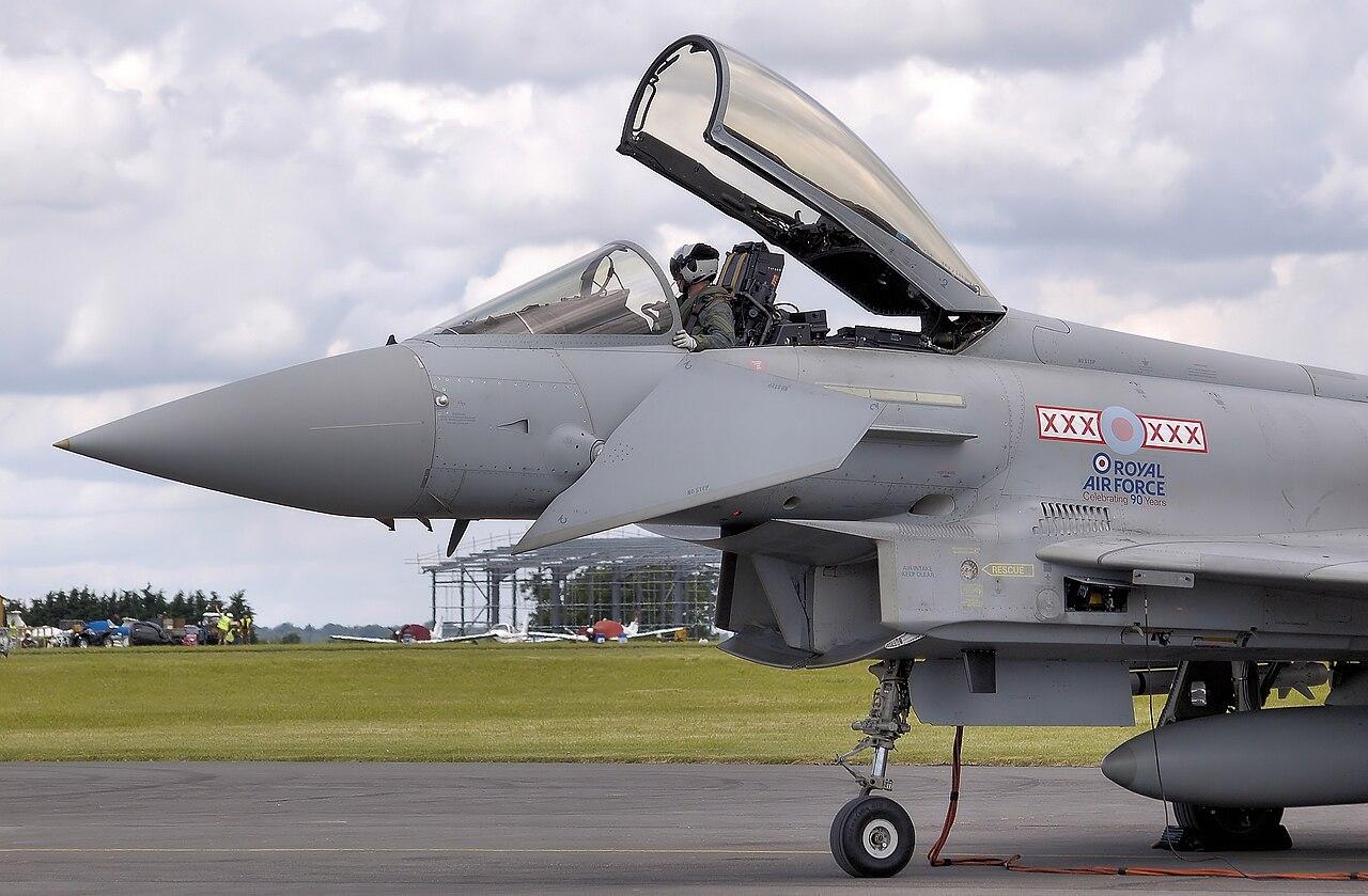 File:Typhoon f2 zj910 canard arp.jpg - Wikipedia