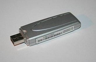 Wireless network interface controller - A wireless network interface device with a USB interface and internal antenna