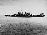 USS Boston (CA-69) steaming at high speed, circa in October 1943 (NH 92449).jpg