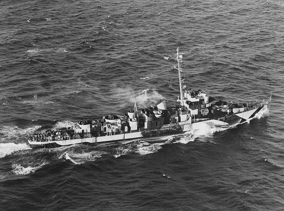 USS Evarts (DE-5) underway on 19 August 1944 (NH 107099)