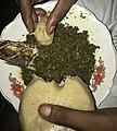 Un plat de feuille de Manioc et du fufu.jpg