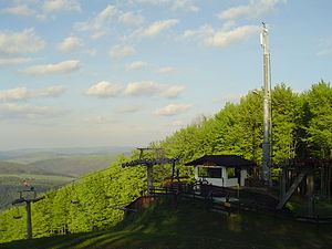 Ustrzyki Dolne - Image: Ustrzyki Dolne, Laworta, Stacja narciarska, Wiosna 2