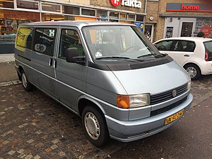 VW Caravelle 1993 for.jpg