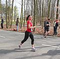 Veel vrouwen hadden muziek bij zich Marathon Rotterdam 2015.jpg