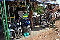 Vendeur de motos 02.jpg