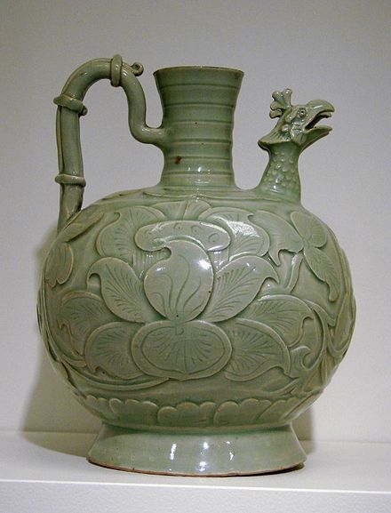 Song dynasty celadon porcelain with a fenghuang spout, 10th century, China Verseuse phenix Musee Guimet 2418.jpg