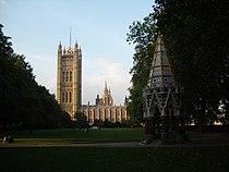 Victoria Tower gardens 2005.jpg