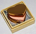 Vintage Miniature Heart-Shaped Women's Powder Compact, Measures 1.375 Inches Across, No Manufacturer Markings On Compact (30330066943).jpg