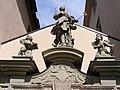 Würzburg - Bürgerspital zum Heiligen Geist, Figuren.JPG