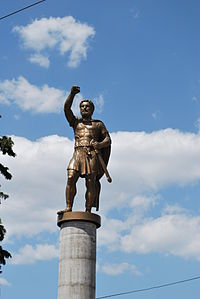 Warrior Monument in Skopje (3).JPG