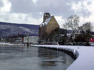 "Holzminden - Holzminden: the ""Weser-quay"" and the big granary"