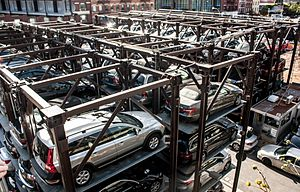 Parking - Parking lot in New York City with capacity multiplied by stacking with lifts