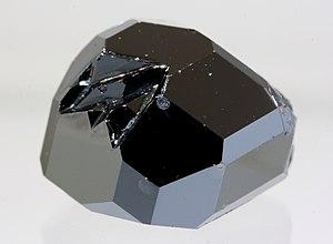 Yttrium iron garnet - Image: Wiki YIG