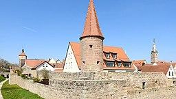 Wolframs-Eschenbach - Stadtmauer m Hungerturm v SW