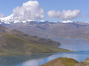 Geography of Tibet - Yamdrok tso.