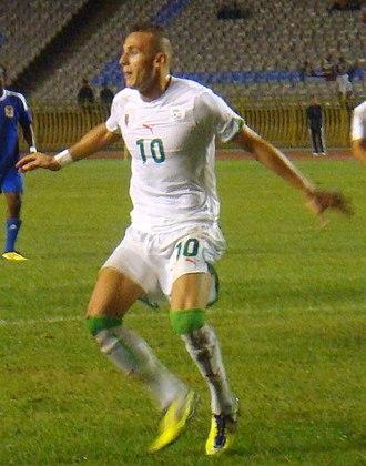 Hassan Yebda - Yebda playing with Algeria in 2011