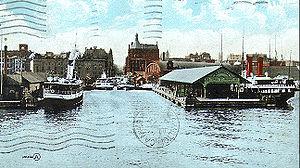 Toronto waterfront - Foot of Yonge Street in 1910