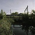 Zicht op de oude spoorwegbrug over het riviertje Het Gein - Abcoude - 20396324 - RCE.jpg