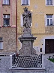 Sloup se sochou svatého Josefa Pěstouna