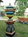 Zsolnay kerti vázák.JPG