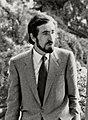 (Juan Barranco) Felipe González pasea con el alcalde de Madrid por los jardines del palacio de la Moncloa. Pool Moncloa. 2 de mayo de 1986 (cropped).jpeg