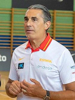 (Sergio Scariolo) La selección española de baloncesto prepara en Madrid el mundial de China 06.jpg