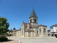 Église de la Nativité-de-la-Sainte-Vierge de Villars-les-Dombes - juin 2013.JPG
