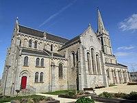 Église du Saint-Nom-de-Marie de Bégard.jpg