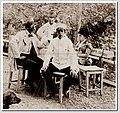 Н.П. Кондаков, С. Н. Кондаков, П. Н. Кондаков, В. А. Кондакова в саду ялтинского дома (1900-е).jpg
