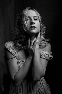 Olga Medynich actress