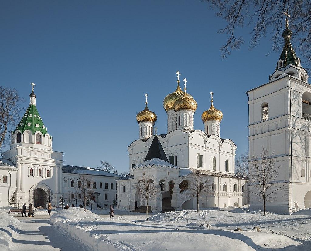 Свято-Троицкий Ипатьевский монастырь внутри 01