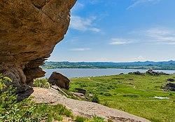 Скалы у Колыванского озера, Змеиногорский район, Алтайский край.jpg