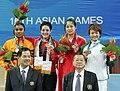 ، منار شعث ، لحظة تتويجها بالميدالية الذهبية في آسياد غوانزو عام ٢٠١٠.jpg