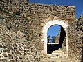 020 Castell de Montsoriu, portal del recinte exterior.jpg