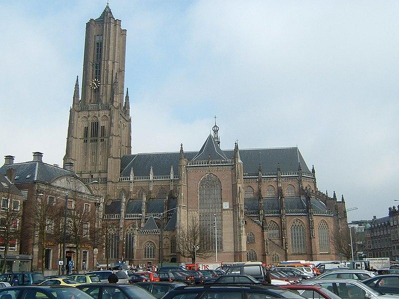 Eusebiuskerk Arnhem UIT de steigers.