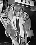 05-28-1957 14502 AVRO medewerkers (5818710525).jpg