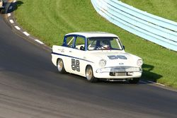 1966 Ford Anglia Super.jpg