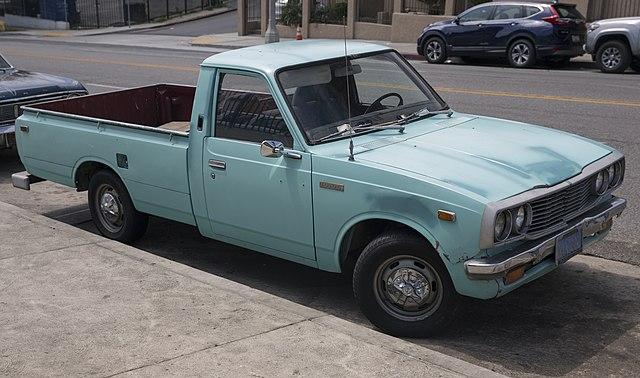 Hilux (N20) - Toyota